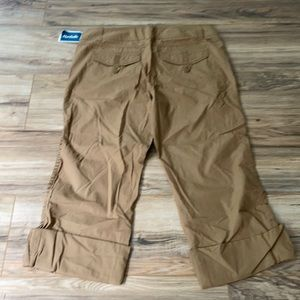 NWT New York And Companycotton Cargo cropped pant